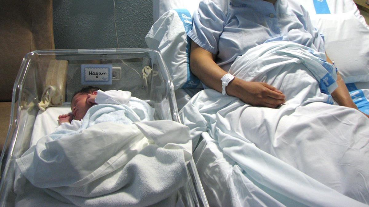 Imagen del primer bebé recién nacido en el año en Tarragona.