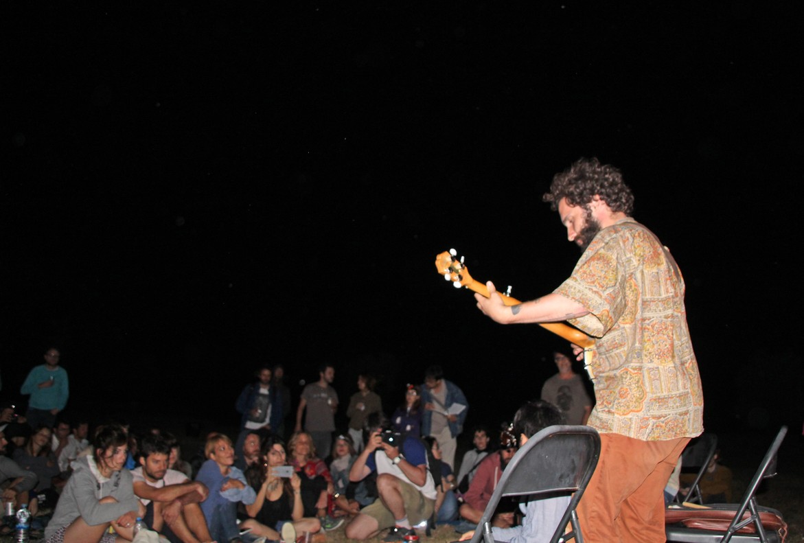 Adriano Galante, de Seward, durante su actuación en el festival Mortfort.