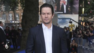 lmmarco39776246 actor mark wahlberg at the premiere of the film transformer170823133931