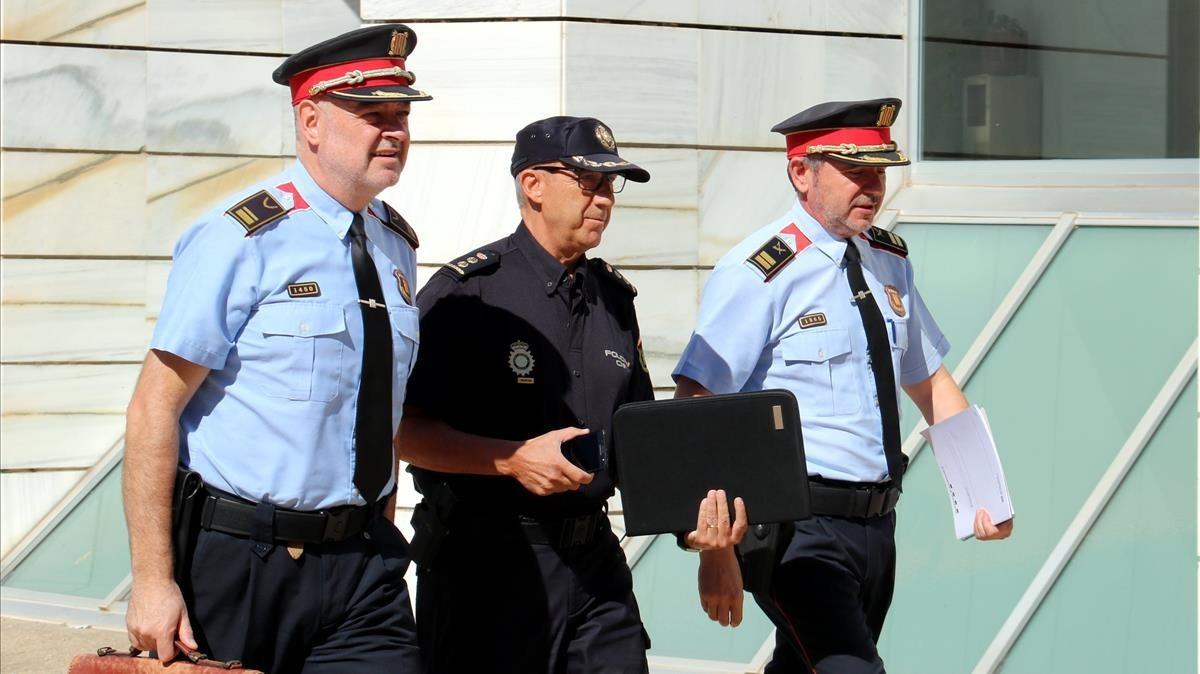 El comisario jefe de la Policía Nacional y los responsables de los Mossos acuden a la reunión convocada por el Fiscal de Lleida.
