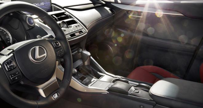 Interior del nuevo Lexus NX300h.