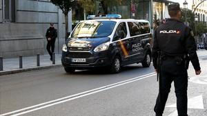 El furgón policial que traslada a los detenidos al Tribunal Supremo.