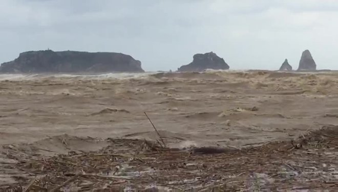 La desembocadura del Ter en pleno temporal de mar.