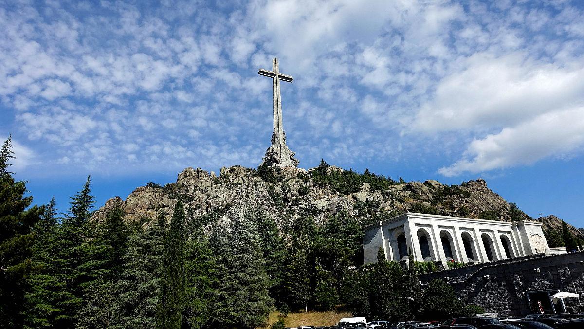 El Govern blindarà l'exhumació de les restes de Franco amb un decret llei