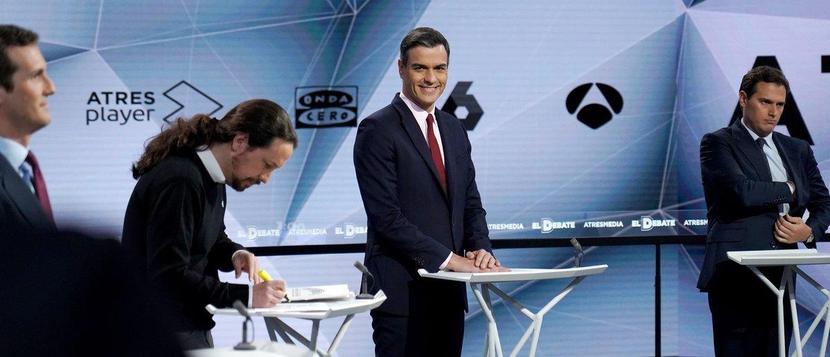 Pablo Iglesias y Pedro Sánchez, en un momento del debate.