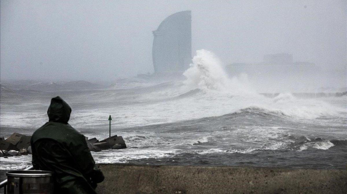 Les platges de Barcelona pateixen les afectacions més greus dels últims 30 anys