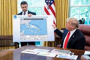 El mapa manipulado de la trayectoria del huracán Dorian que ha mostrado Trump.