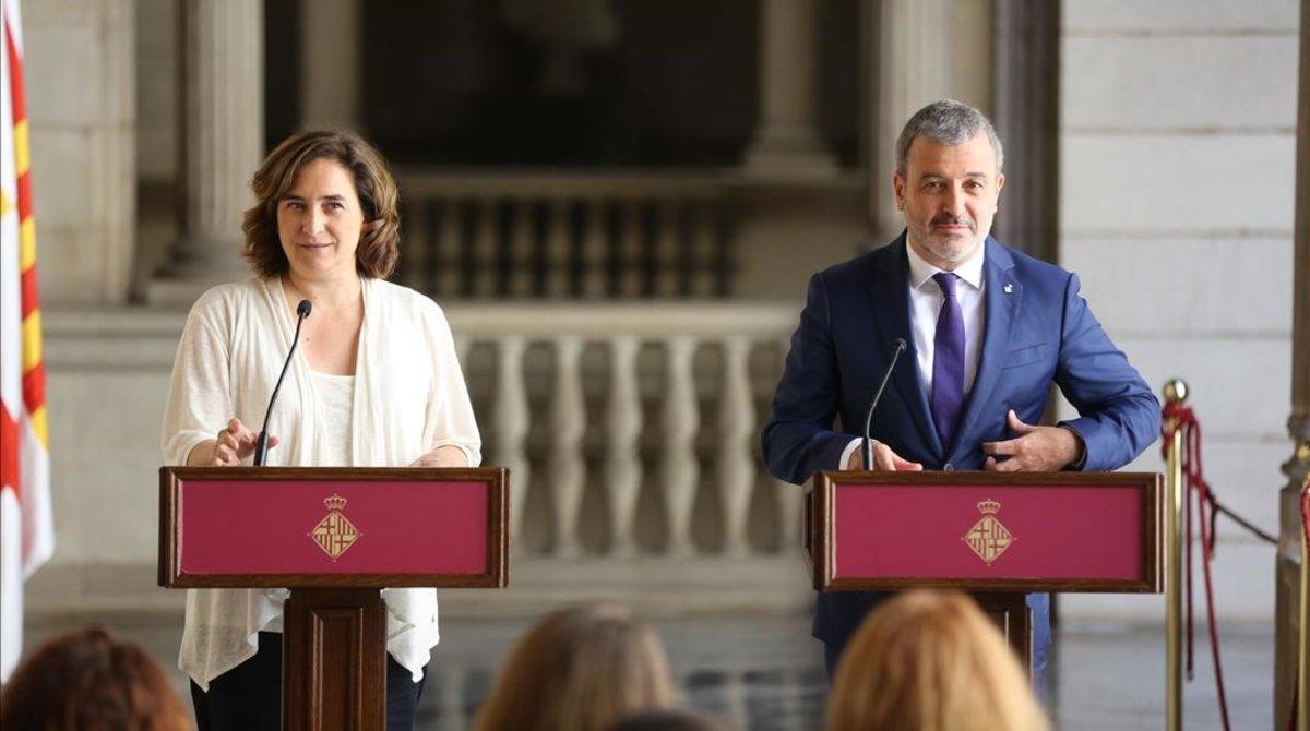 Ada Colau y Jaume Collboni, en la presentación del acuerdo de Gobierno para la ciudad de Barcelona.
