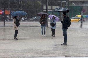 En Canarias se prevén intervalos nubosos, con posibilidad de lluvias débiles en las islas de mayor relieve.