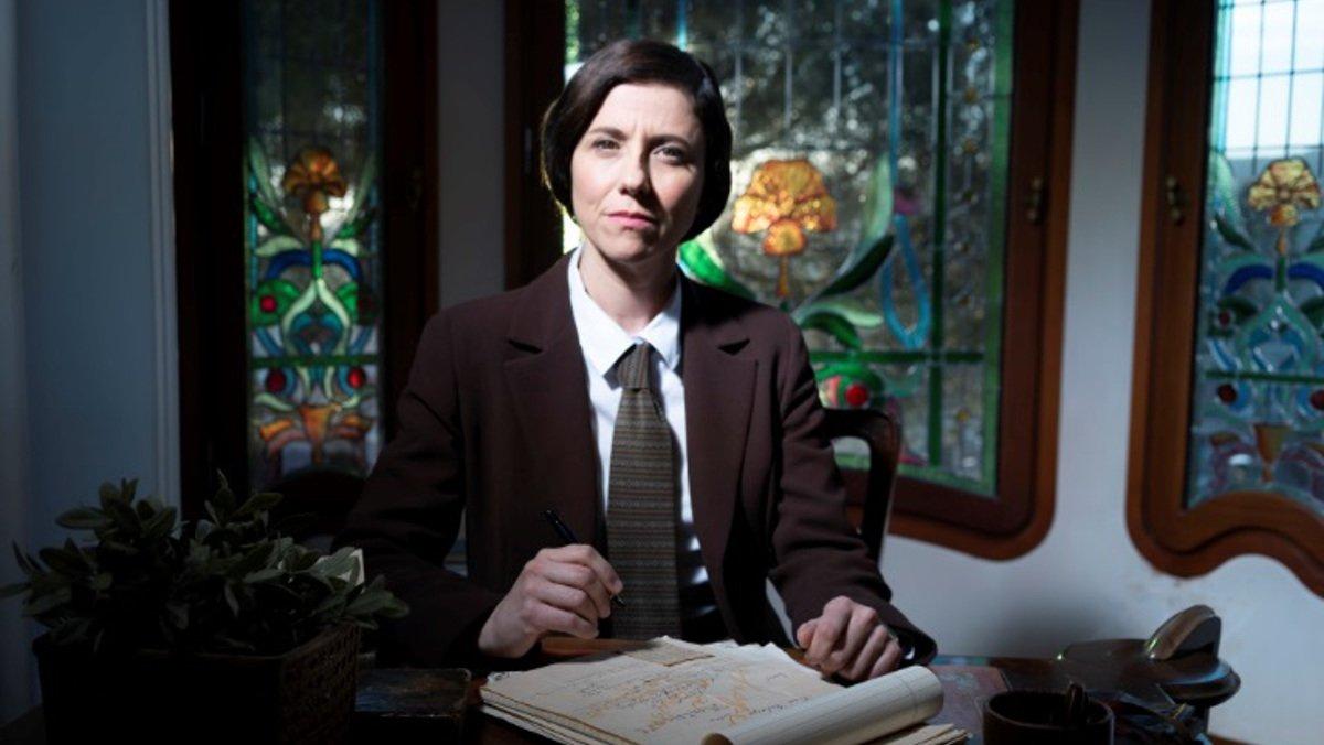 Anna Sahun interpretando a Anna Maria Martínez Sagi.