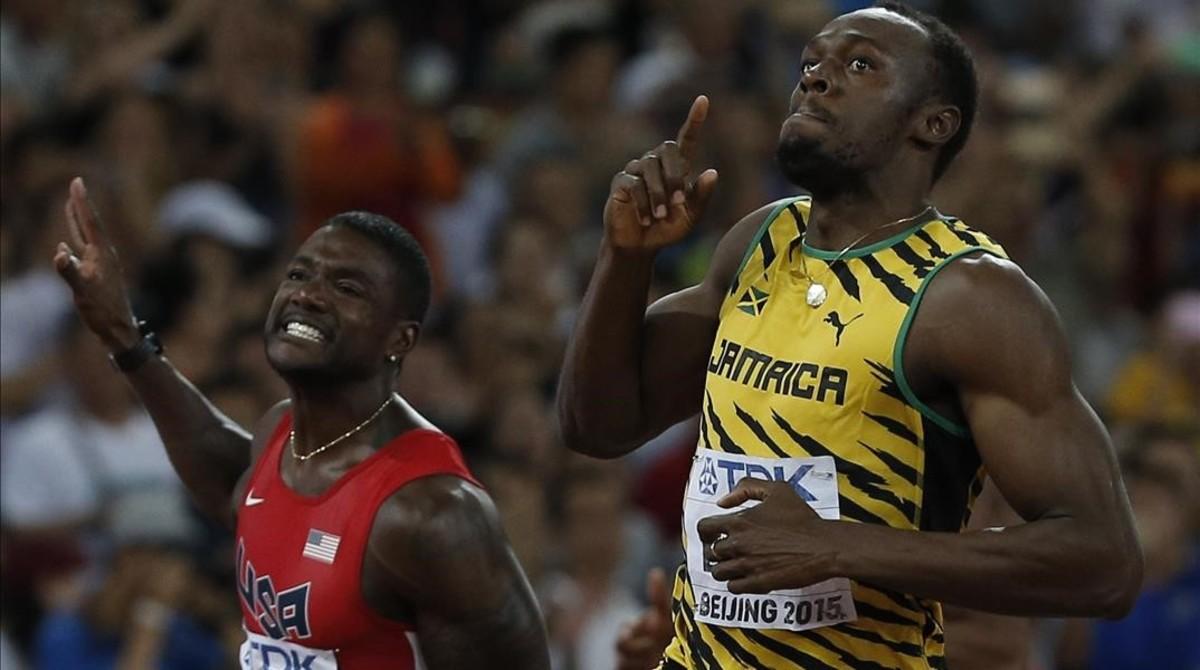 Bolt derrota a Gatlin en los 100 metros de los Mundiales de Pekín 2015.