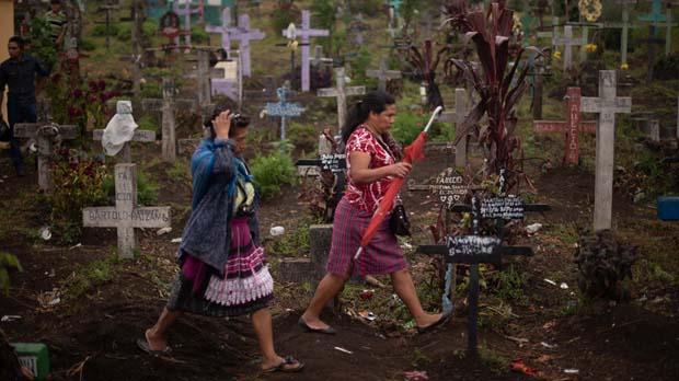 Casi un centenar de muertos por la erupción del volcan de Fuego en Guatemala.
