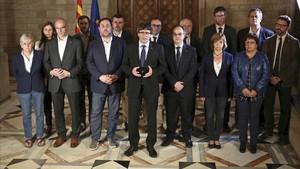 Comparecencia de Carles Puigdemont y su Govern, la noche del referéndum.