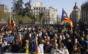 Concentración en plaza Universitat durante la huelga del 21-F.