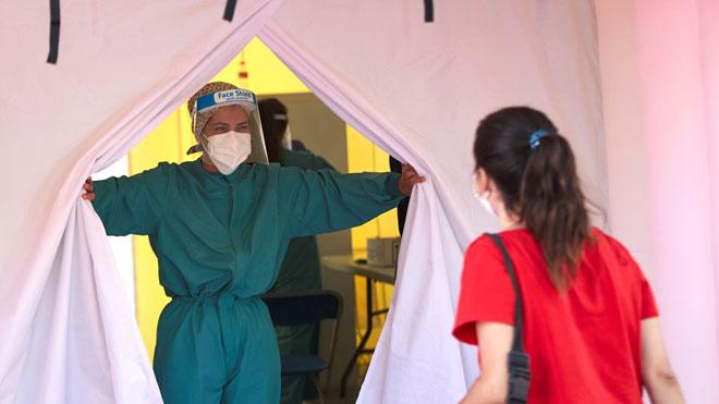 Sanitat aprova la reducció de les quarantenes de 14 a 10 dies a tot Espanya