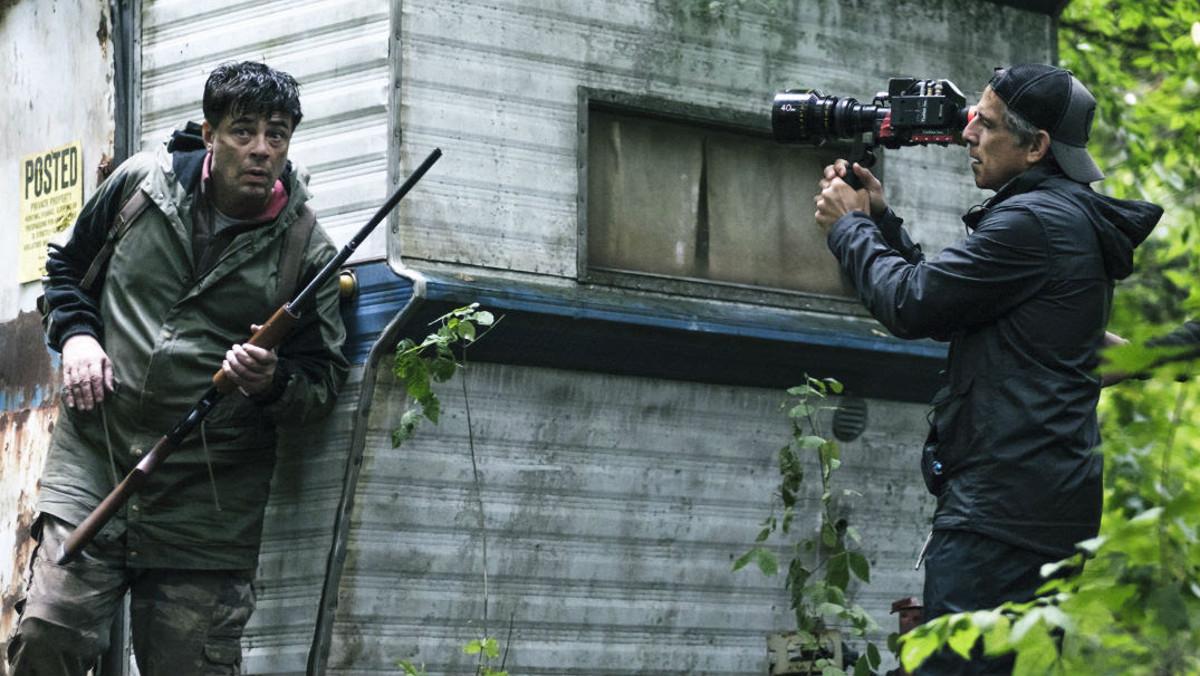 Benicio del Toro y Ben Stiller, durante la grabación de la miniserie 'Escape at Dannemora'.