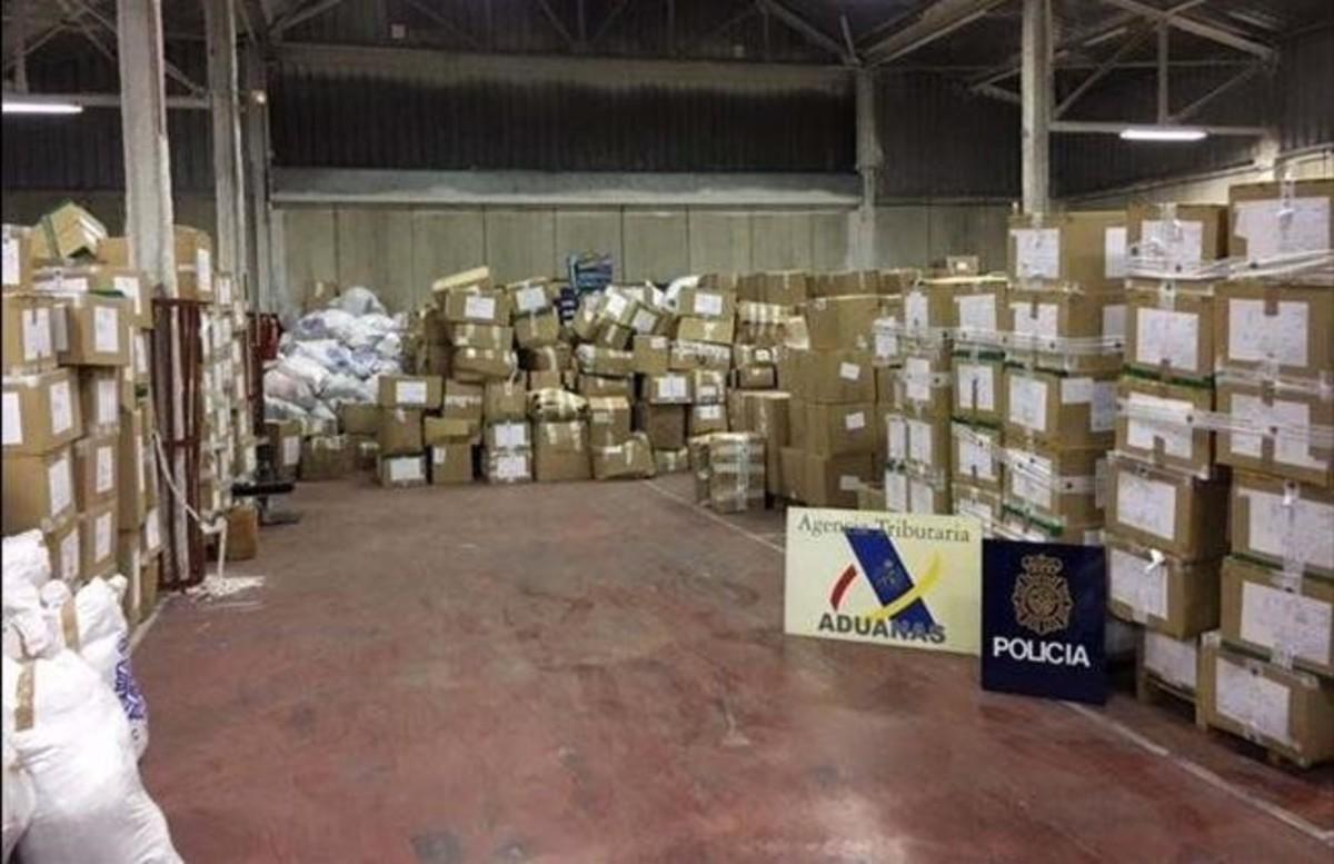 2daadd3e95ae 71 detenidos por importar productos falsificados por La Jonquera