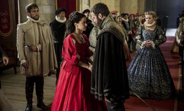 Macarena Garcia y Carles Francino protagonizan el telefilme de TVE La española inglesa.