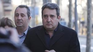El exalcalde de Sabadell Manuel Bustos, a su llegada al TSJC para asistir al juicio de la primera pieza del 'caso Mercuri'.