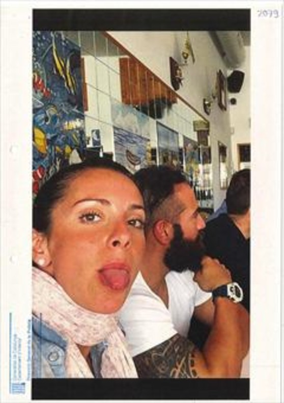 La agente de la Guardia Urbana Rosa Peral, en una comida con amigos antes del crimen.
