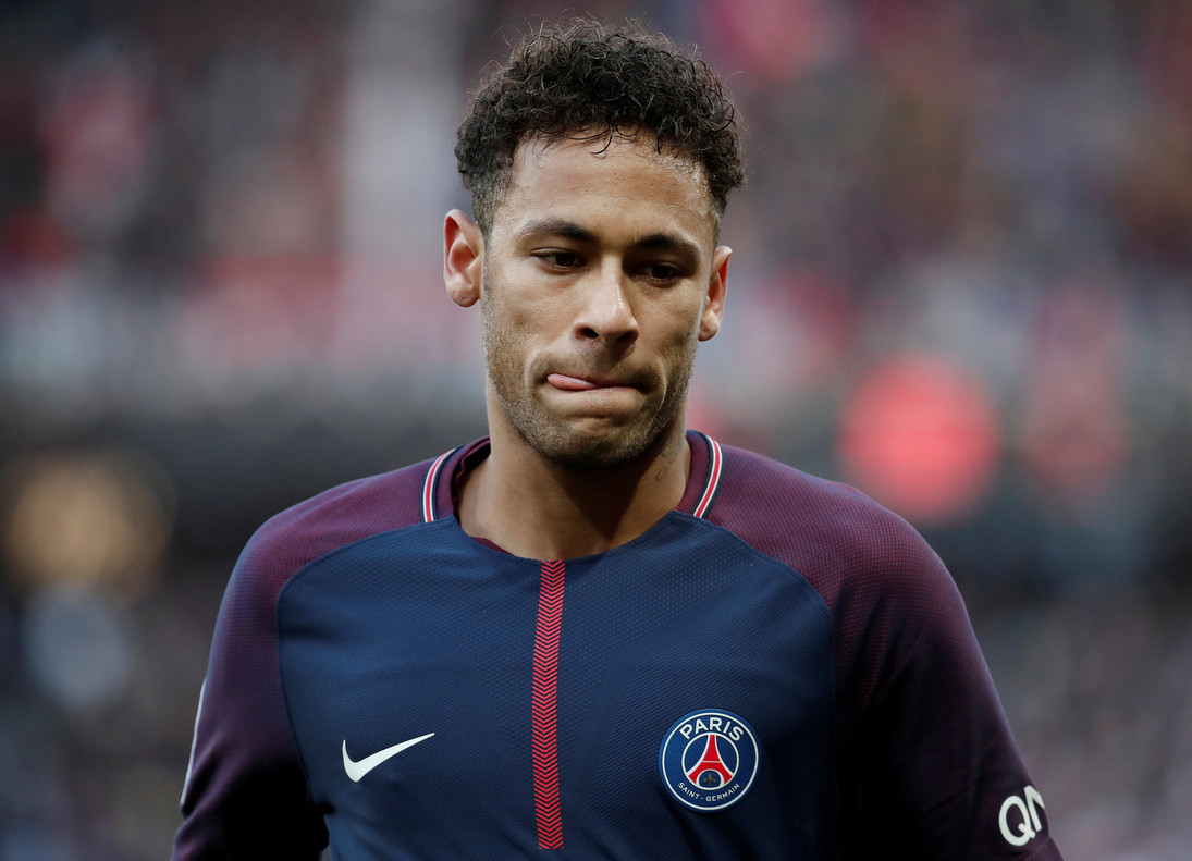 Neymar con la camiseta del PSG.