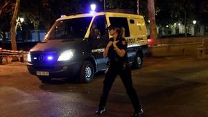 Un furgón de la Guardia Civil traslada a Jordi Sànchez y Jordi Cuixart a la prisión de Soto del Real.