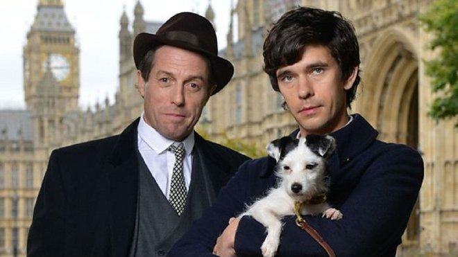 Hugh Grant y Ben Whishaw, en una imagen promocional de A very english scandal