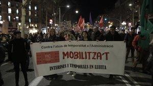 Manifestación de trabajadores interinos del sector público que exigen procesos de estabilización de plantillas.
