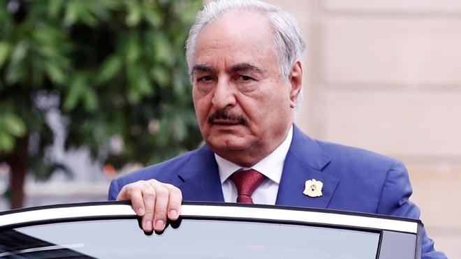 El jefe del Ejército Nacional Libio, Jalifa Hafter (en una imagen de archivo), abandona Moscú sin firmar el acuerdo de alto el fuego permanente.