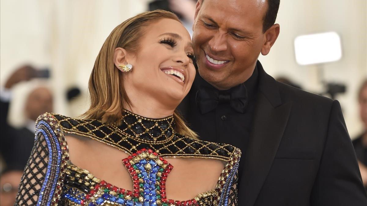 La cantante Jennifer Lopez y el exjugador de béisbol Alex Rodriguez, en mayo del 2018, en el Museo de Arte Matropolitano de Nueva York.