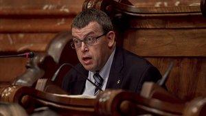 Jordi William Carnes, en un pleno del Ayuntamiento de Barcelona.