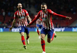 Soccer Football - La Liga Santander - Atletico Madrid v Valencia - Wanda Metropolitano Madrid Spain - April 24 2019 Atletico Madrid s Angel Correa celebrates scoring their third goal REUTERS Susana Vera