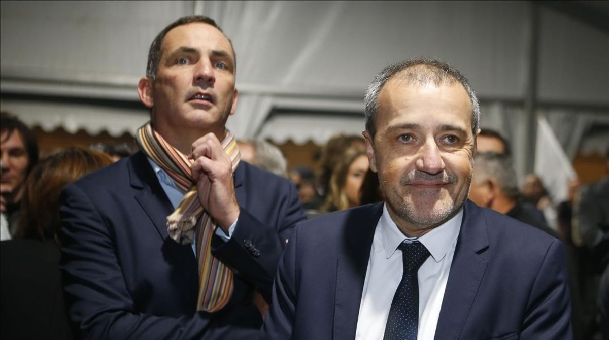 Los líderes de la coalición nacionalista corsa Gilles Simeoni (izquierda) y Jean- Guy Talamoni, en un mitin en Bastia.