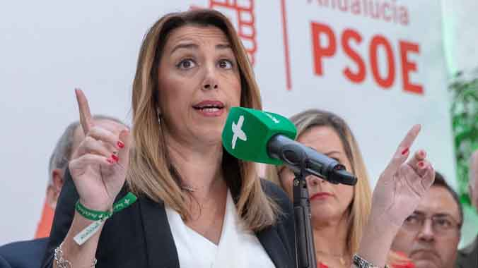 Los miembros de la ejecutiva del PSOE-A dan la confianza a Díaz.