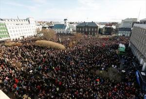 Manifestación en Reikiavik contra el primer ministro de Islandia, Sigmundur Gunnlaugsson, mencionado en los papeles de Panamá.