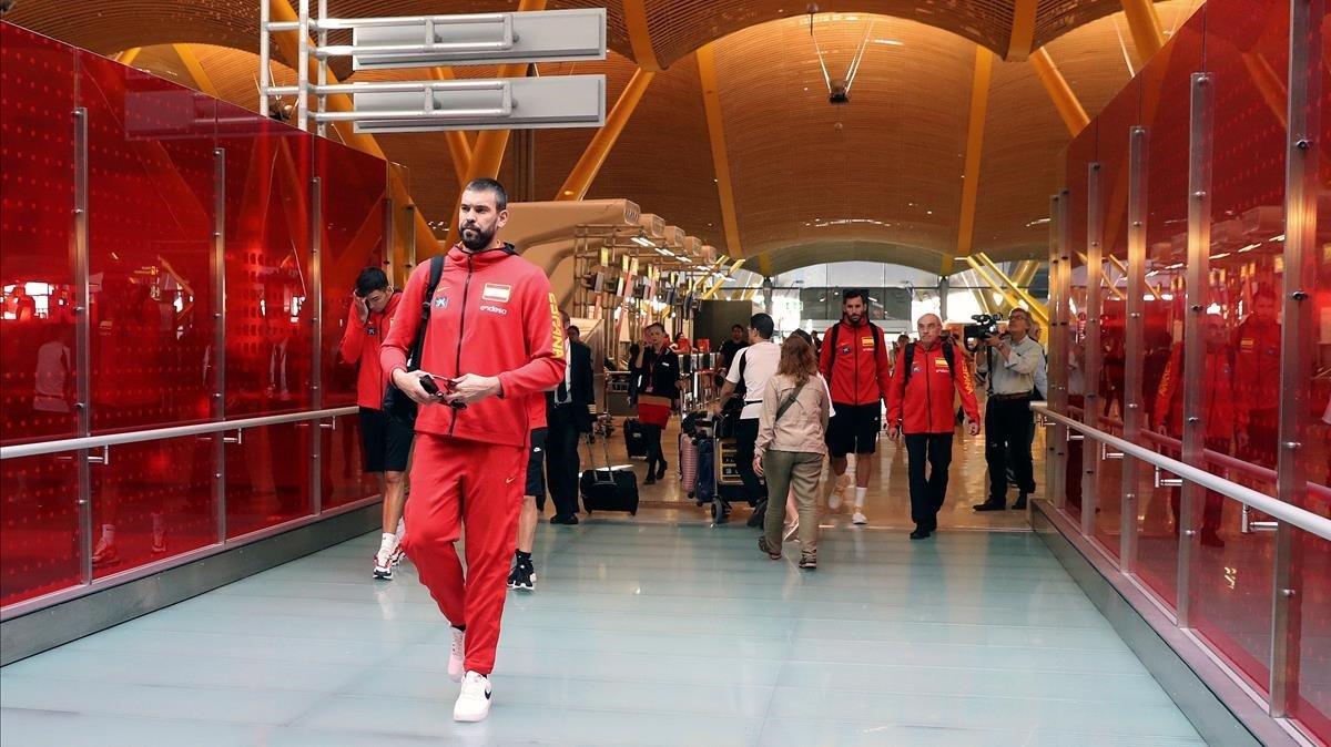 Marc Gasol, en el aeropuerto de Madrid, poco antes de viajar a EEUU