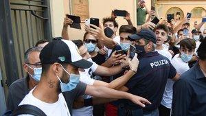 La policia investiga l'examen d'italià de Luis Suárez