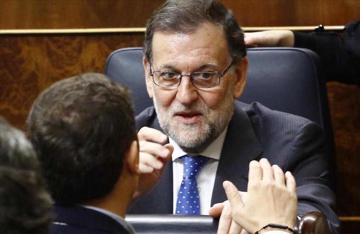Mariano Rajoy conversa con Albert Rivera, el 22 de noviembre del año pasado.