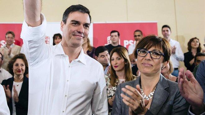 María Gámez junto a Pedro Sánchez.
