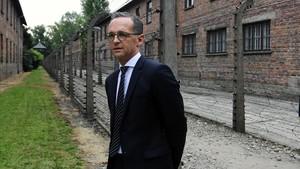 El ministro alemán de Exteriores, Heiko Maas, durante su visita al campo de exterminio de Auschwitz.