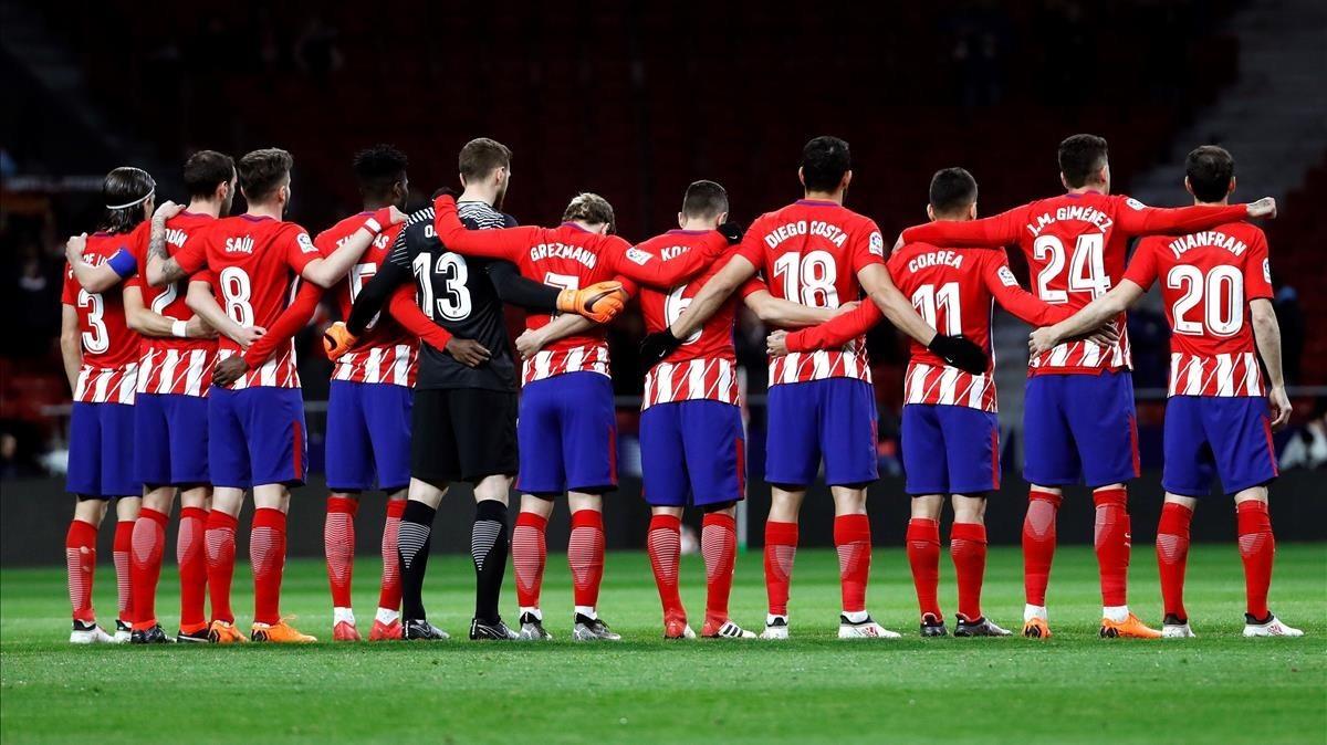 Minuto de silencio por Quini en el Wanda Metropolitano antes del Atlético-Leganés.