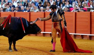 Morante de la Puebla, en la faena del pasado viernes en la Maestranza de Sevilla.