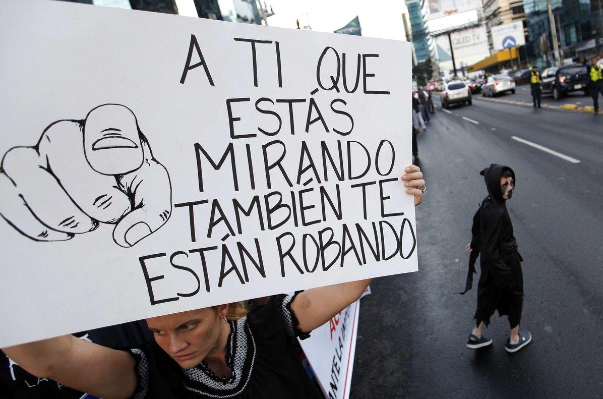La Justicia panameña ha informado de que investiga decenas de casos de corrupción.