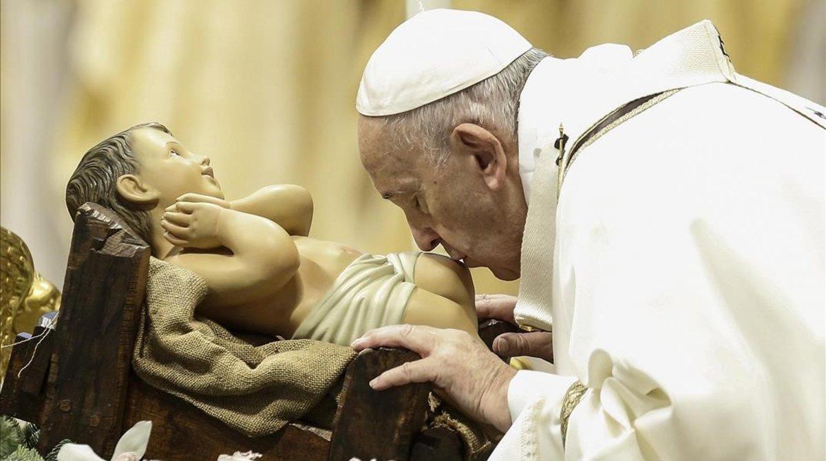 El papa Francisco, en la misa del día de Reyes en el Vaticano.