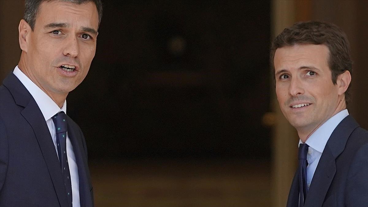 Pedro Sánchez y Pablo Casado, en la Moncloa
