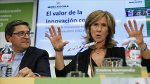 La presidenta de la Fundacion Cotec, Cristina Garmendia, y Juan Antonio German, director de Relaciones Externas de Mercadona.