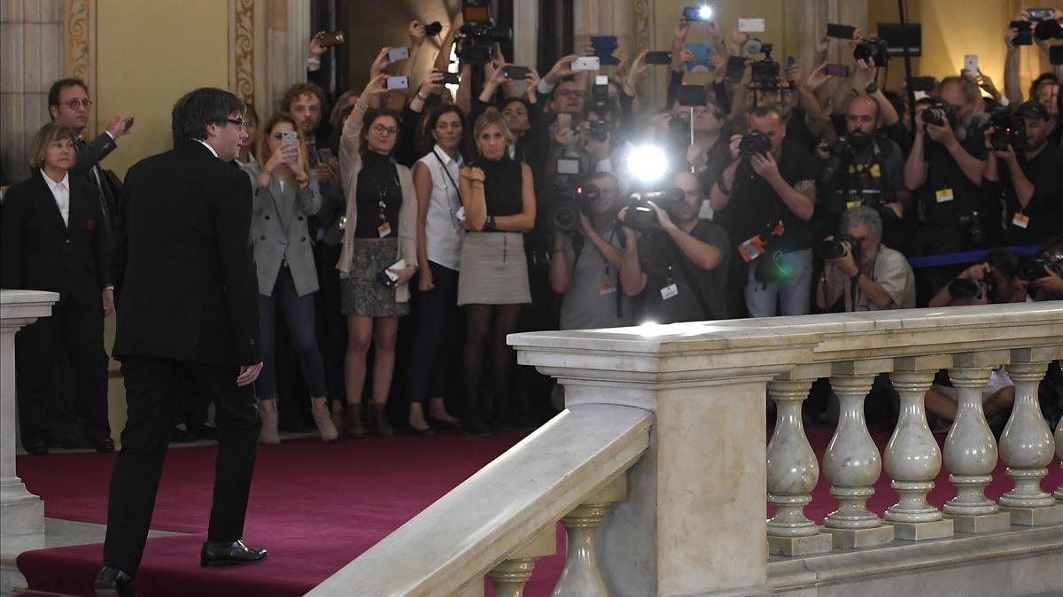 El presidente de la Generalitat, a su llegada al Parlament.