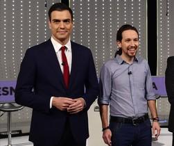 El secretario general del PSOE, Pedro Sánchez, junto al líder de Podemos, Pablo Iglesias, en campaña electoral.