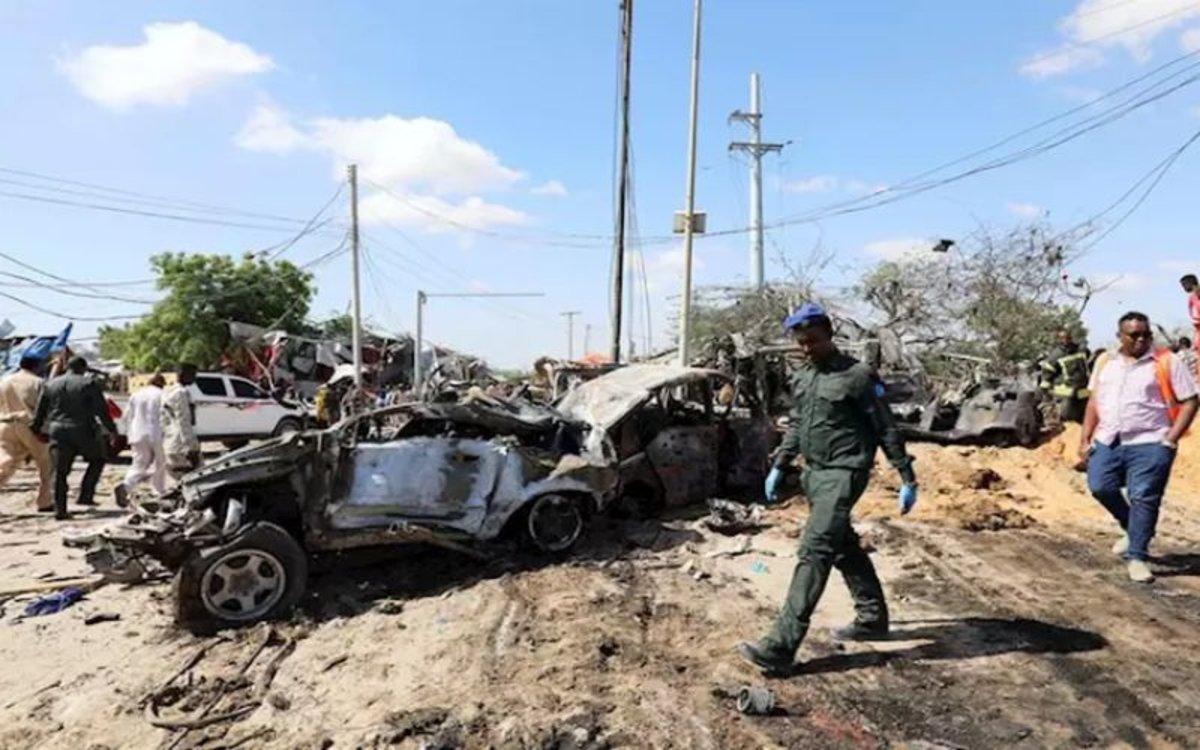 Atentado con uncoche bombaen Somalia.