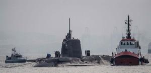 El submarino nuclear HMS Ambush, en aguas de Gibraltar, el 20 de julio del 2016.
